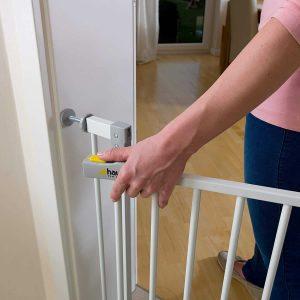 La barrière Hauck Open N Stop est un dispositif de sécurité domestique