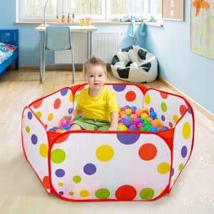 Son design coloré et à motif convient pour stimuler les sens de votre petit