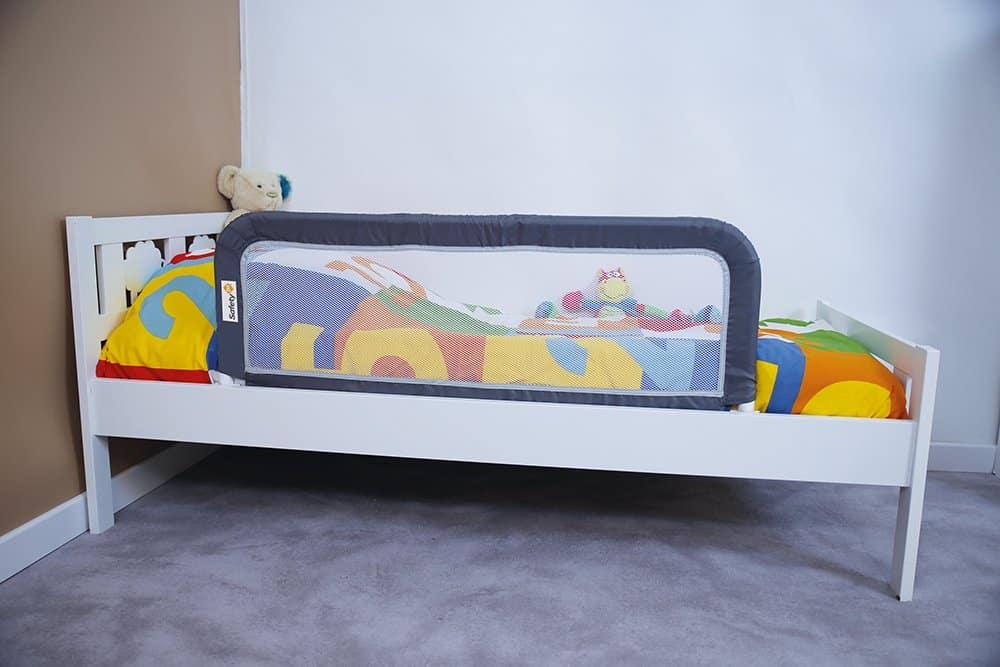 La Barrière De Lit Pour Bébé est un accessoire pour éviter à bébé de chuter de son nouveau lit.